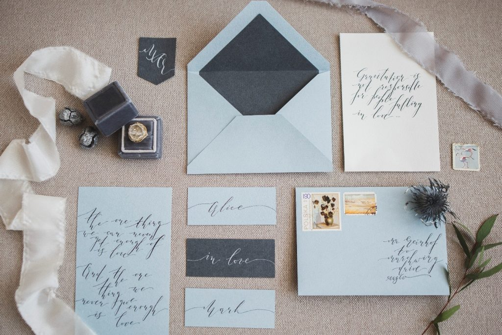 How to pick a wedding theme - different envelopes and invites to choose from
